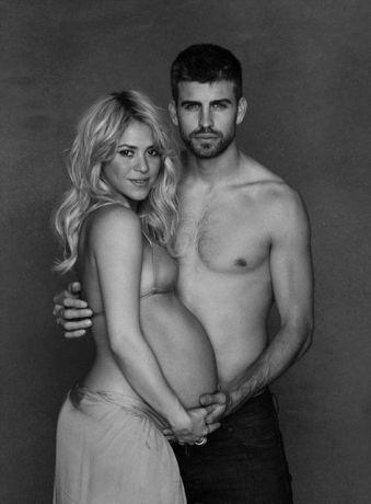 Певица Шакира родила футболисту сына Милана. Фотографии