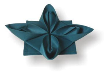 Красиво сложить салфетку на праздничном столе – легко! Инструкция в картинках