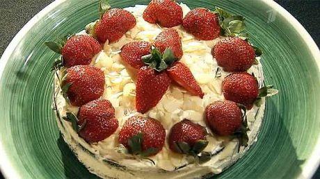 Кулинарная рубрика «Вся соль»: торт из черёмуховой муки