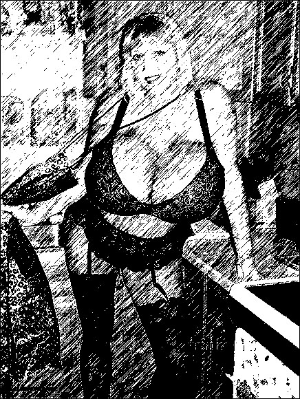 Макси: объем ее груди составляет больше 153 сантиметров